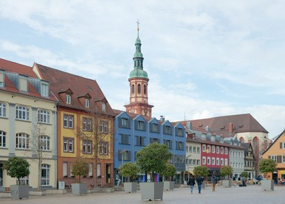 Offenburg Fu�g�ngerzone in historischer Altstadt